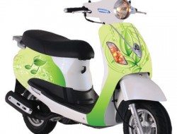 Cắt đề can dán xe máy